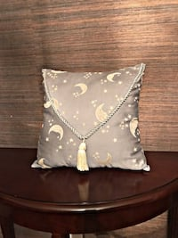 brown throw pillow Crestwood, 63123