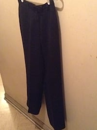 Black women's pants size 8 P New York, 10019