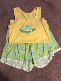 Cute Pajama set, juniors size Medium  Frankford, 19945