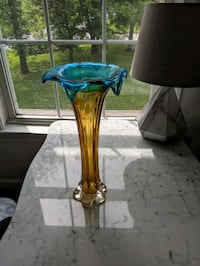 Glass vase Fallston, 21047