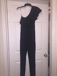 BRAND NEW Fitted Black Jumpsuit Off-Shoulder Size S Women  Cliffwood, 07721