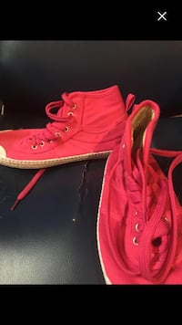 Hot pink Canvas Brand New Size 7 Hightop's Running Shoes  Oshawa, L1H 6P6