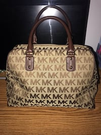 Authentic Michael Kors Handbag 14 km