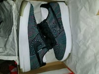 pair of green Nike low-top sneakers with box Toronto, M1B 5R7