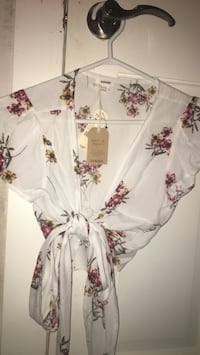 Floral wrap top Burnaby, V5E 1N8