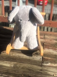 Pottery Barn Kids Nursery Plush/Solid Wood Elephant Rocker Washington