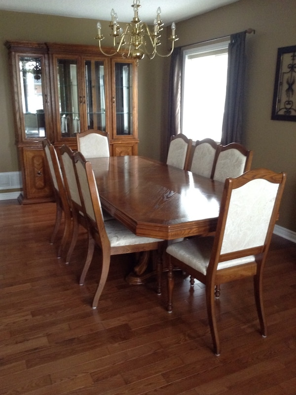 Used Oak Dining Table Buffet Hutch Moving Must Go For Sale In