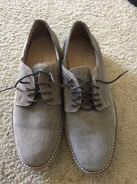Pair of gray suede shoes in excellent condition size 10 Fredericksburg, 22407