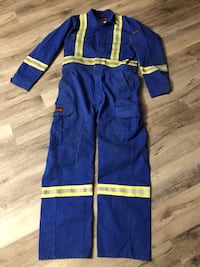 Dakota flame resistant coveralls size Medium Edmonton, T6W 2A6