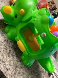 Fisher price  double poppin dinosaur  Harvest, 35749