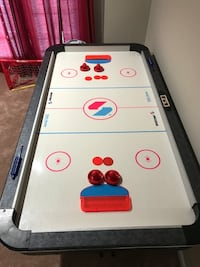 white and black air hockey table Bristow, 20136