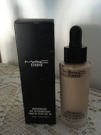 Mac Studio Waterweight foundation SPF 30 Lund, 227 38