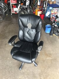 Black leather office rolling armchair Dartmouth, B2X 3S8