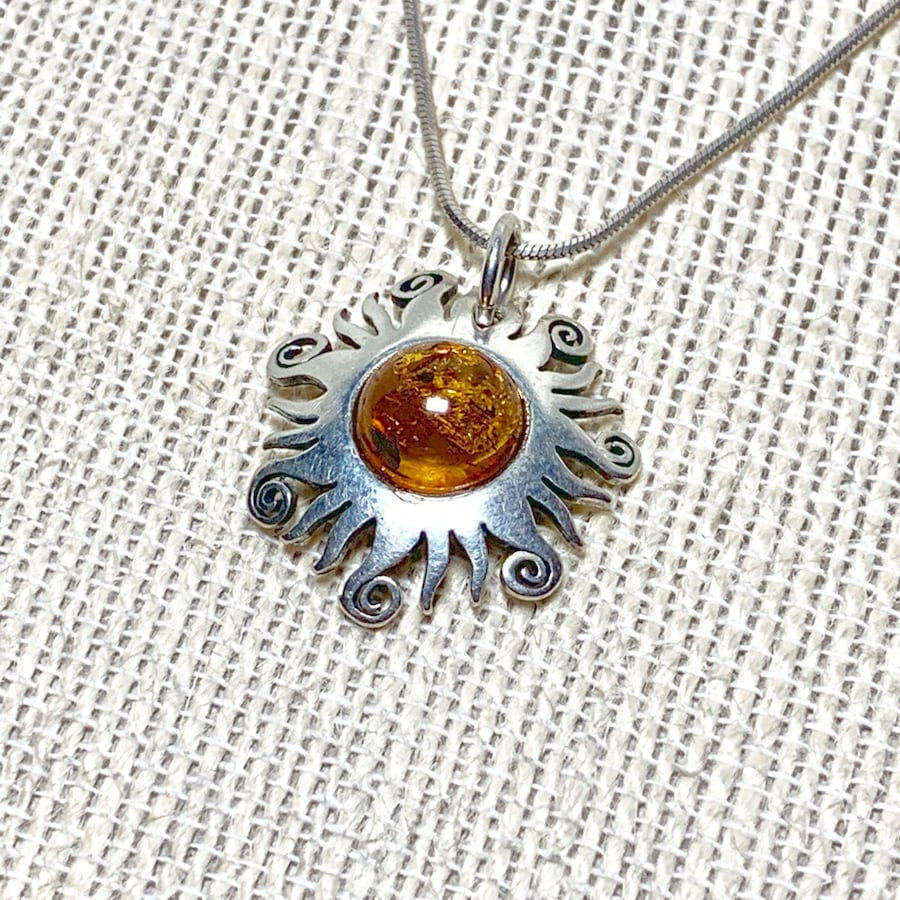 Authentic Sterling Silver Baltic Amber Sun Pendant With Sterling Rope Chain