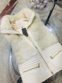 Guess brand new women real fur vest  Toronto, M1B 1X6