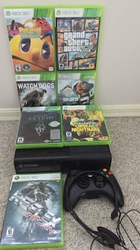 Xbox 360 with games controller and headset Ladner, V4K 1T8