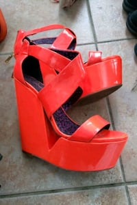 Jessica Simpson Patent Leather Wedges Mississauga, L5V 2R3