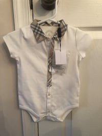 Burberry 6 month onesie  50 km