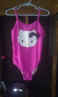 pink and black Hello Kitty tank top Bakersfield, 93304