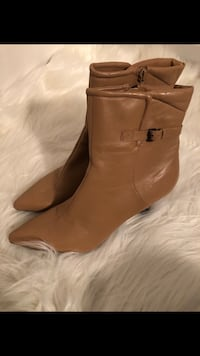 Camel color, leather booties Laurel, 20707