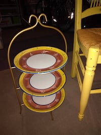 Serving display and chair