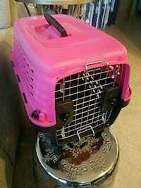 pink and black pet carrier Washington, 20003