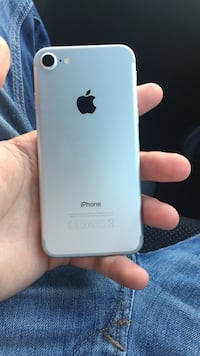 I phone 7 32gb work good but the home button don't work  Helsingborg, 254 57