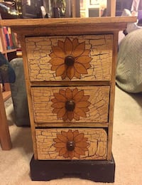 """Decorative side table/chest of drawers Description: 1' [foot] wide and 1'7"""" tall it is snug but unique and gorgeously crafted. sealed and painted wood. In great condition. Asking $50 or best offer. 3769 km"""
