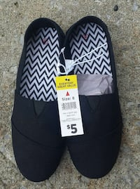 New adult size 8 ladies shoes Goodlettsville, 37072