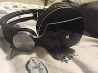 Wireless Sony PlayStation headset with built in mic, volume and bass controls Aurora, L4G 2P4