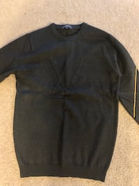 Louis Vuitton sweater  Catonsville, 21228
