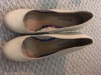 pair of beige leather flats Germantown, 20874