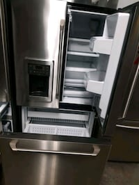 GE STAINLESS STEEL FRENCH DOORS FRIDGES WORKING PERFECTLY