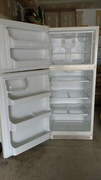 "white 21"" top mount refrigerator"