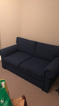 2 seater sofa in brand new condition. Hardly used, just sat in a guest bedroom in my house. Markham, L3T 7E5