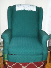 LIKE NEW GREEN WING CHAIR-ALSO RECLINER MONTREAL
