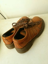 pair of brown leather shoes Outlook, 98938