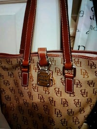 Gorgeous Dooney & Bourke bag Whitby, L1N 8X2