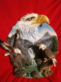 "Eagle statue 6"" x 8"" cannot hang. Self standing. Albuquerque, 87120"