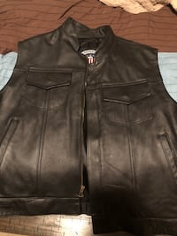 black leather zip-up vest Gainesville, 20155