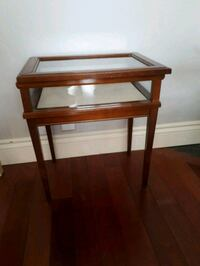 GLASS TOP DISPLAY TABLE Guelph, N1K 1R9