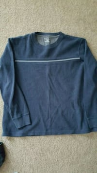 Mens long sleeve...  Size XL  Fontana, 92336