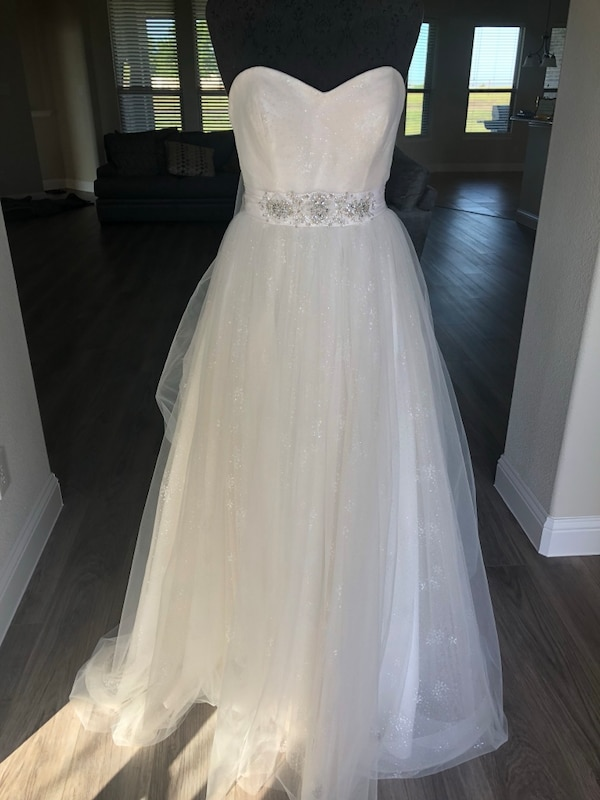 Used Size 10 Casablanca Wedding Gown Style 2177 for sale in Rockwall ...