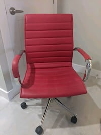 Red Office Chair Barrie, L4N 5Z7