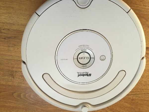 Roomba 500 series broken robot for parts only