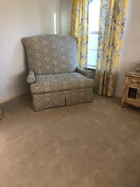 Love seat Holly Springs, 27540