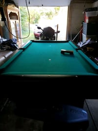 Pool table with sticks included Gloucester County, 08080