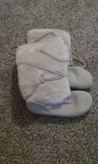 suede & faux fur boots (Brand New) COLUMBIA