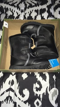 Baby boots size 6  Kingston, 12401
