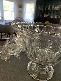 Vintage punch bowl set with 12 glasses and 4 hooks Natick, 01760